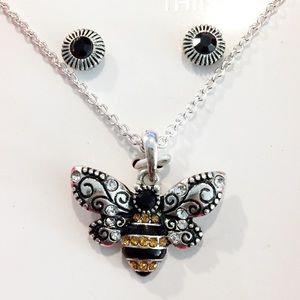 """The Sweetest Thing"" Bumble Bee Necklace Set"